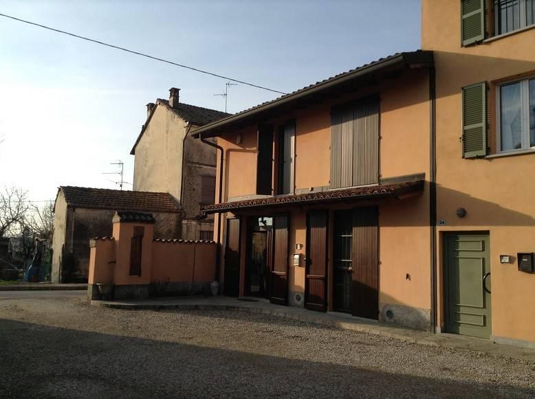 Rustico / Casale in vendita a Badia Pavese, 6 locali, prezzo € 330.000 | CambioCasa.it
