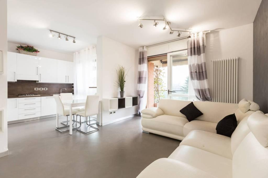 Appartamento in affitto a Casalecchio di Reno, 3 locali, prezzo € 1.200 | CambioCasa.it