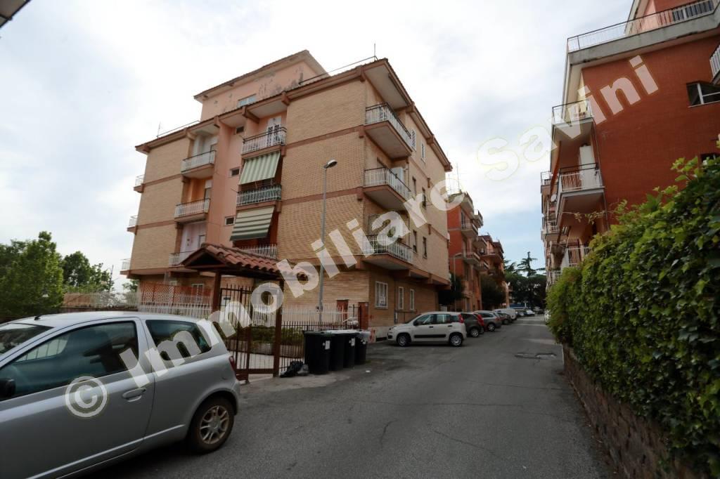 Appartamento in vendita a Genzano di Roma, 2 locali, prezzo € 85.000 | CambioCasa.it