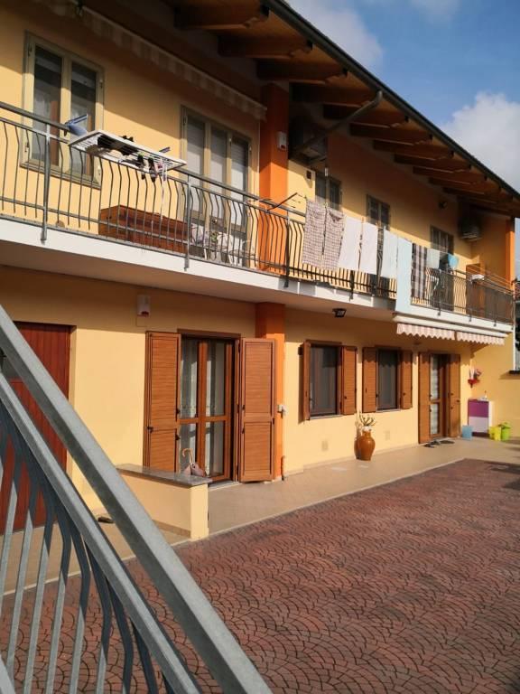 Villa in vendita a Mazzè, 7 locali, prezzo € 250.000 | CambioCasa.it
