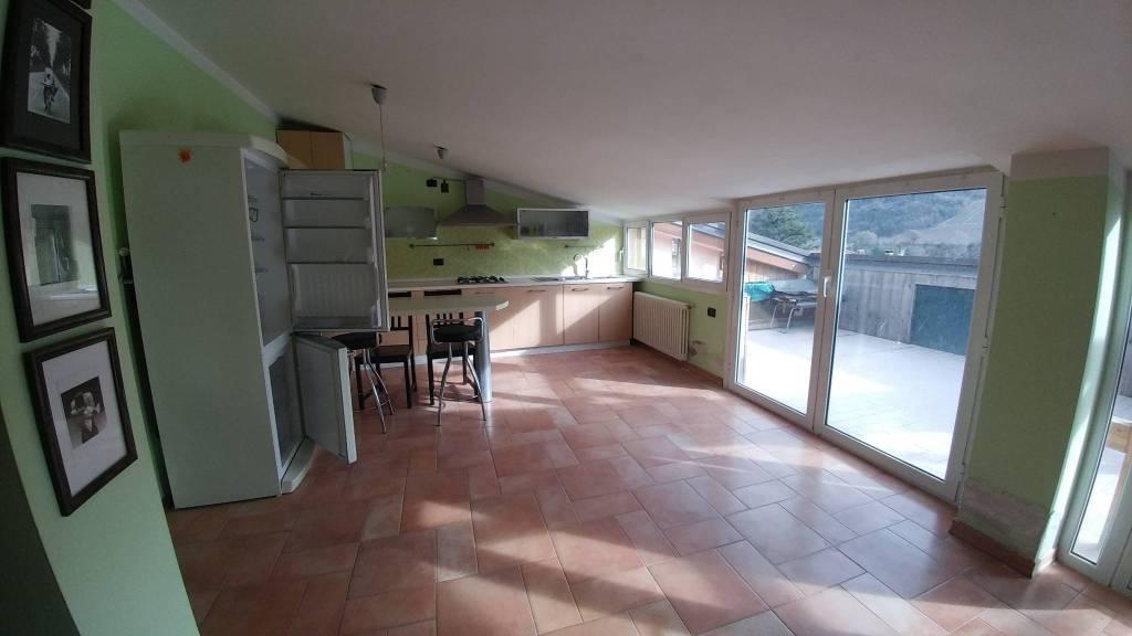 Appartamento in vendita a Casola Valsenio, 2 locali, prezzo € 68.000   CambioCasa.it