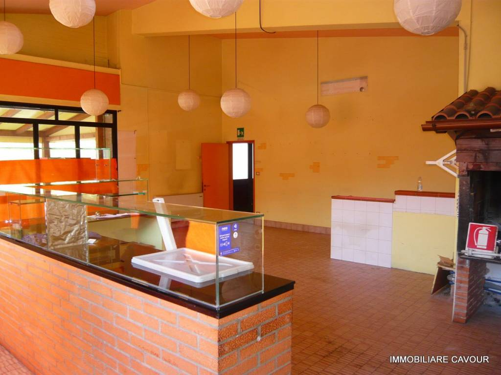 Negozio / Locale in affitto a Portomaggiore, 2 locali, prezzo € 600 | CambioCasa.it
