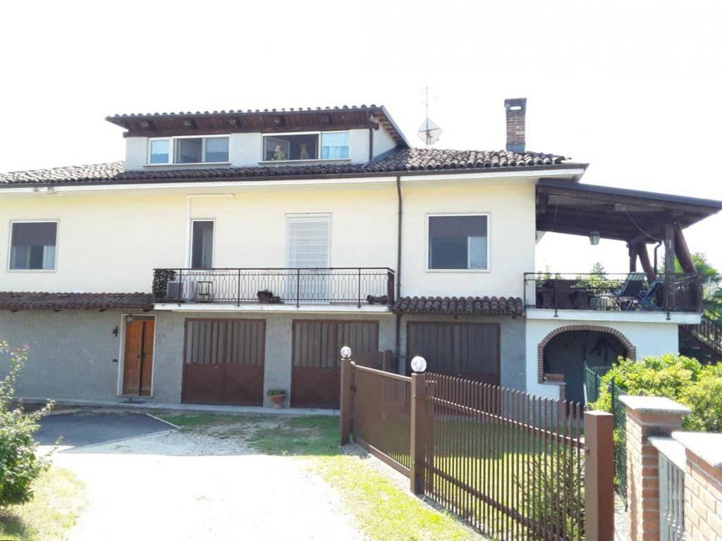 Rustico / Casale in vendita a Ferrere, 4 locali, prezzo € 148.000   PortaleAgenzieImmobiliari.it