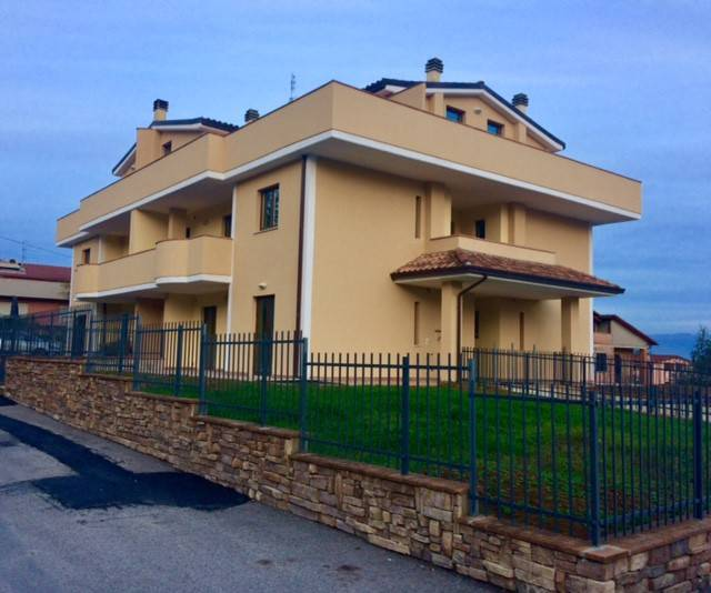 Appartamento in Vendita a Perugia: 4 locali, 106 mq