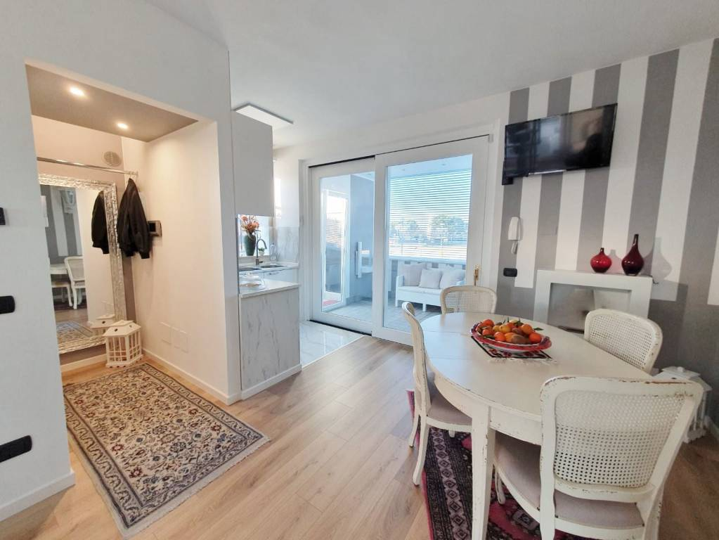 Appartamento in vendita a Sirmione, 3 locali, prezzo € 320.000   PortaleAgenzieImmobiliari.it
