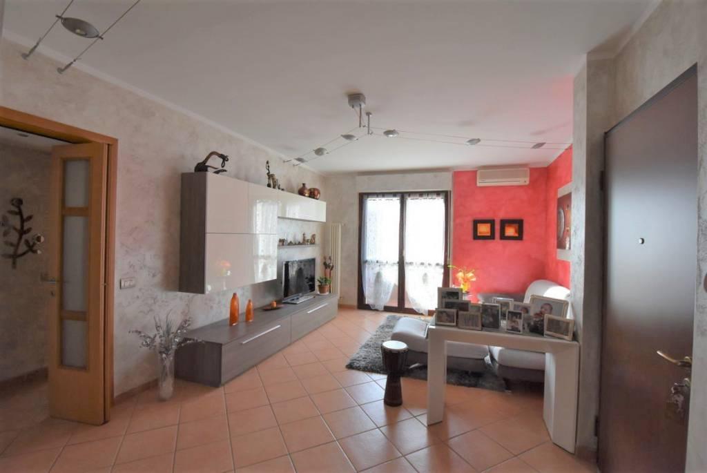 Appartamento in vendita a Salerano sul Lambro, 3 locali, prezzo € 90.000 | CambioCasa.it