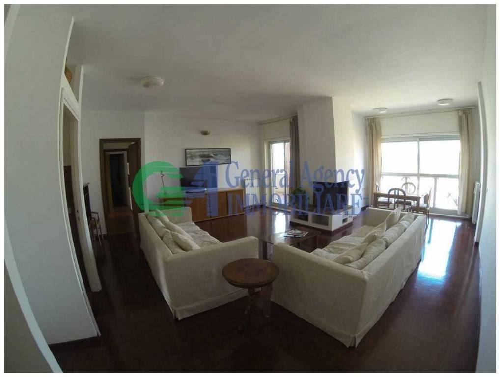 Appartamento in vendita a Roma, 4 locali, zona Zona: 18 . Ardeatino - Grotta Perfetta - Fonte Meravigliosa, prezzo € 550.000   CambioCasa.it
