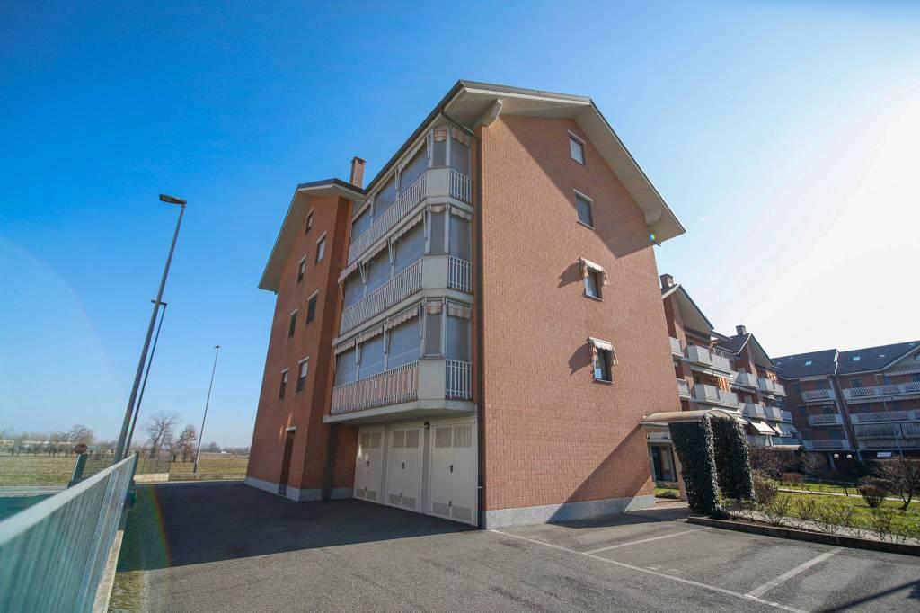 Appartamento in ottime condizioni in vendita Rif. 9422442