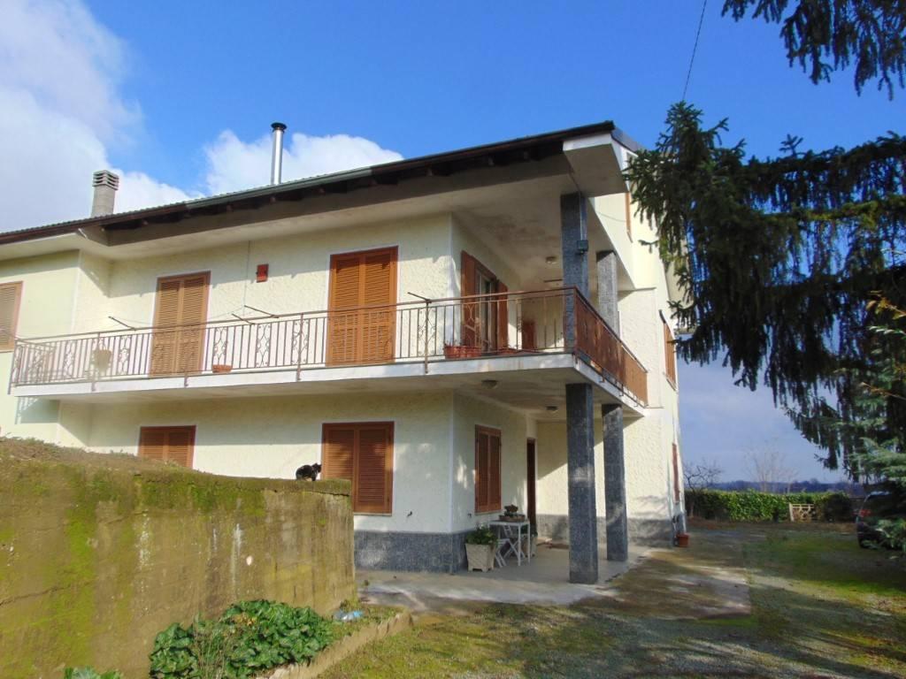 Villa in vendita a Vaglio Serra, 6 locali, prezzo € 172.000 | PortaleAgenzieImmobiliari.it