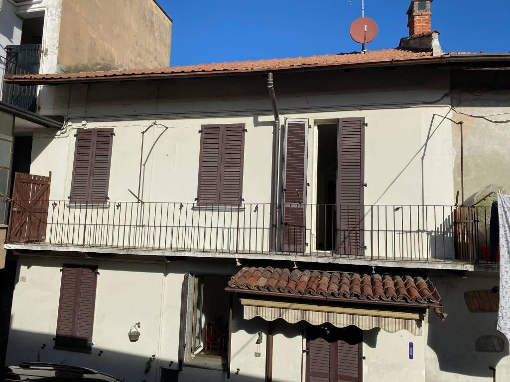 Soluzione Indipendente in vendita a Casnate con Bernate, 4 locali, prezzo € 125.000 | PortaleAgenzieImmobiliari.it