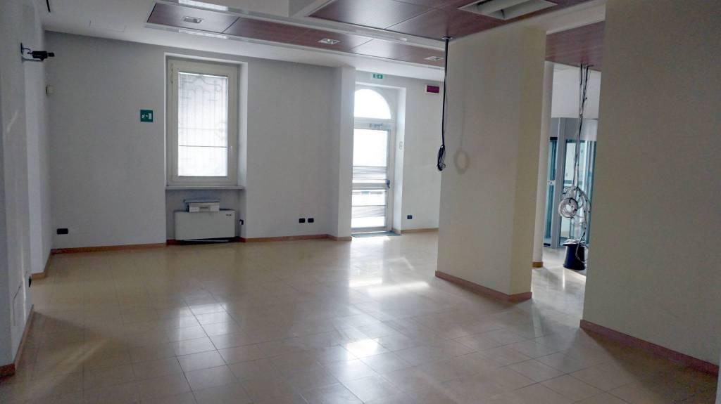 Ufficio / Studio in affitto a Ghedi, 6 locali, prezzo € 1.500 | PortaleAgenzieImmobiliari.it