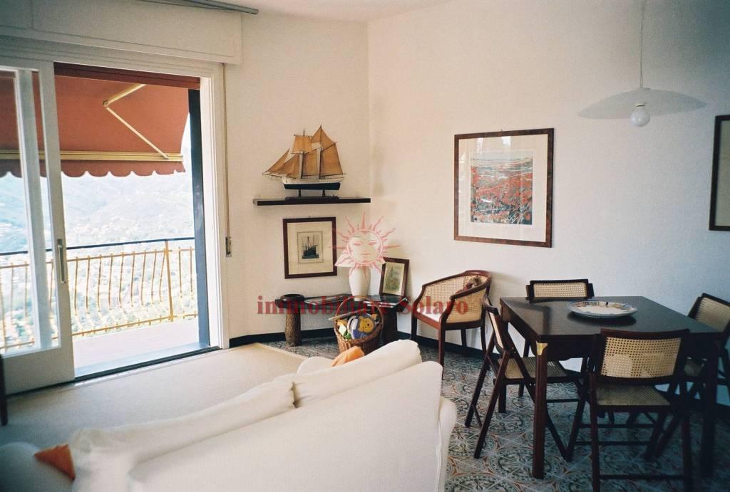 Moneglia, appartamento vista mare con giardino e posto auto