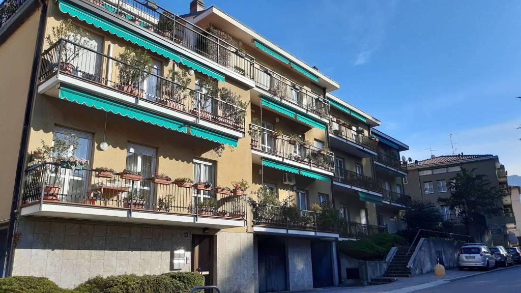 Appartamento in vendita a Lecco, 3 locali, prezzo € 250.000 | CambioCasa.it