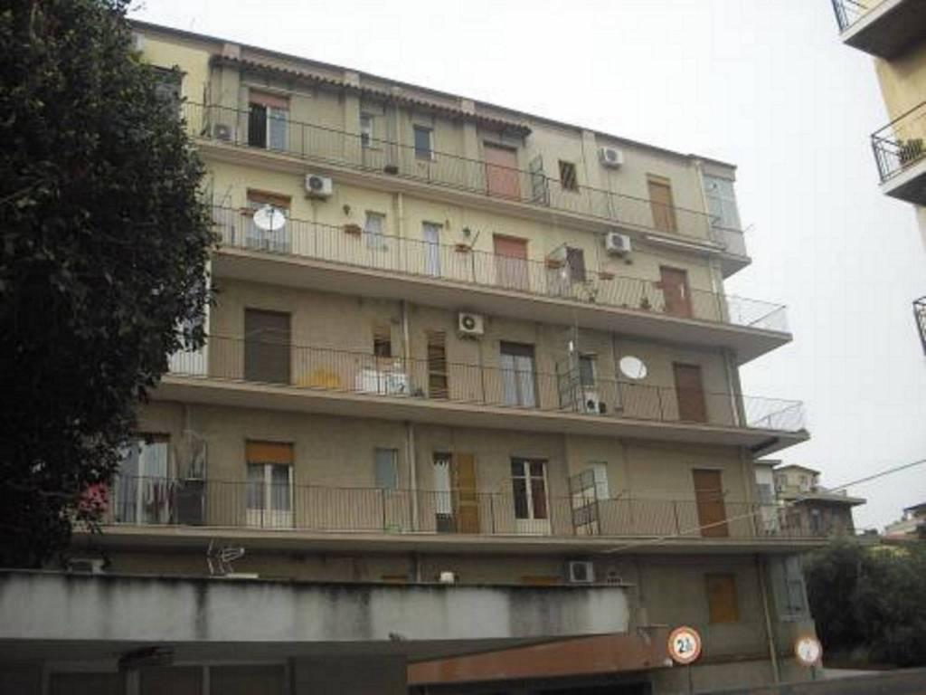 Appartamento in vendita a Catania, 2 locali, prezzo € 80.000   CambioCasa.it