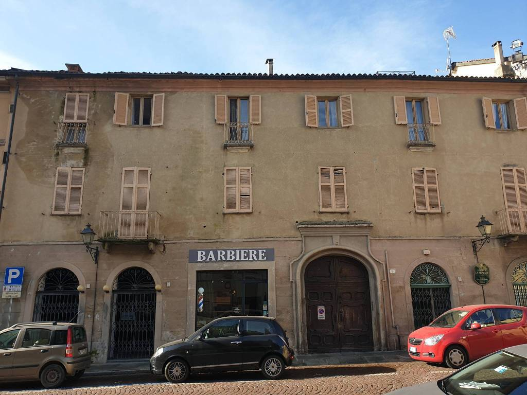 Ufficio / Studio in affitto a Chieri, 2 locali, prezzo € 800   CambioCasa.it