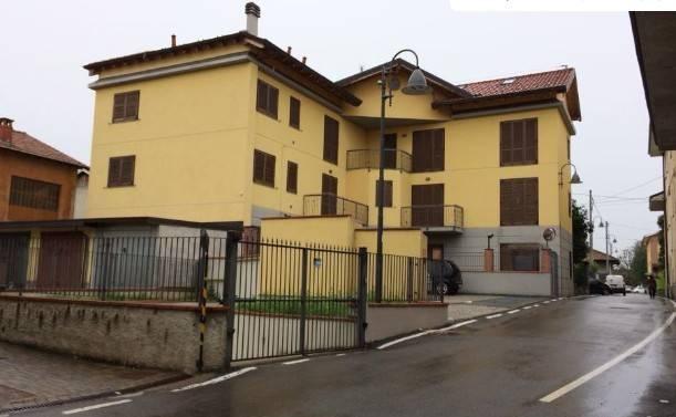 Appartamento in vendita a Fenegrò, 2 locali, prezzo € 45.000 | CambioCasa.it