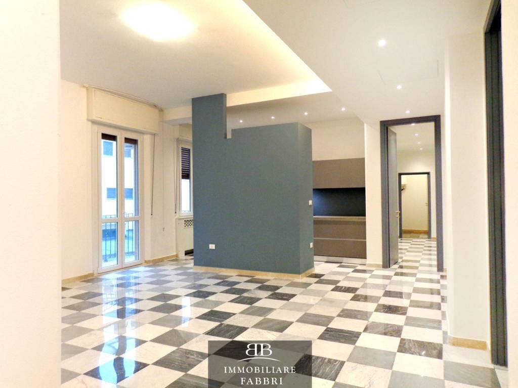 Appartamento in Affitto a Ferrara Centro: 5 locali, 160 mq