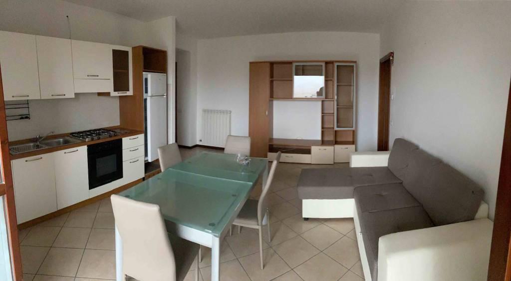Appartamento in affitto a Scanzorosciate, 2 locali, prezzo € 550 | PortaleAgenzieImmobiliari.it