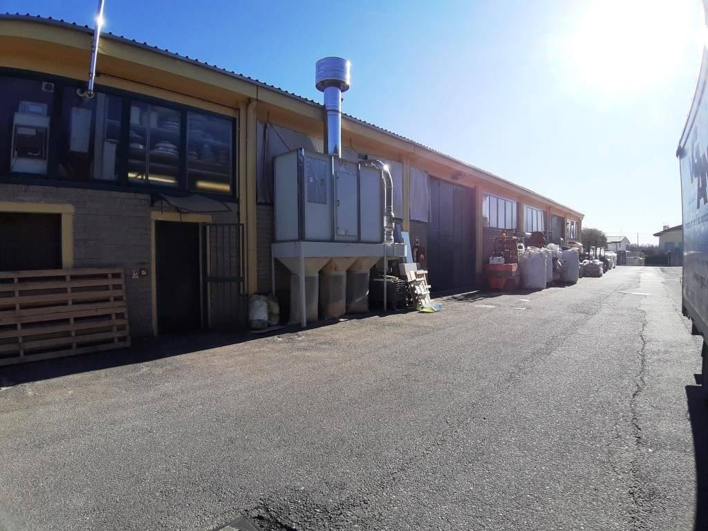 Capannone in vendita a Magnago, 1 locali, prezzo € 160.000 | PortaleAgenzieImmobiliari.it