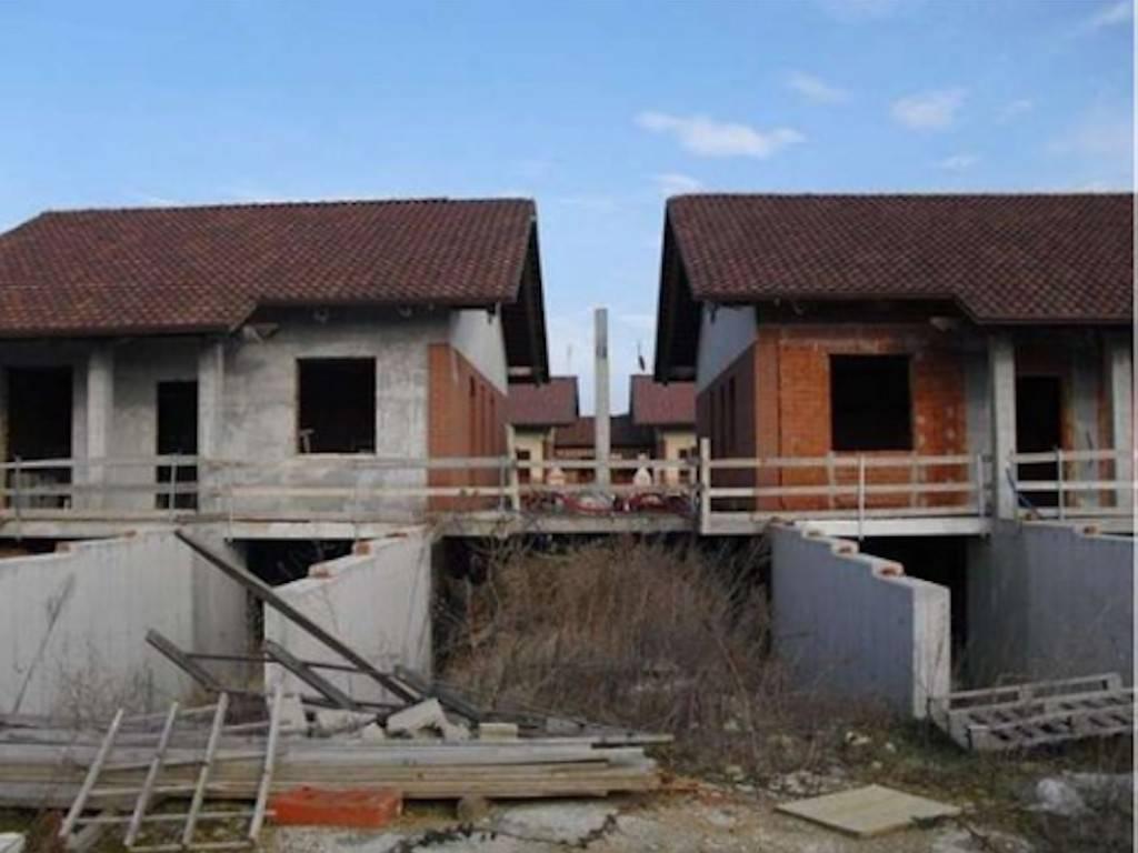 Villa a Schiera in vendita a Favria, 6 locali, prezzo € 80.000   PortaleAgenzieImmobiliari.it