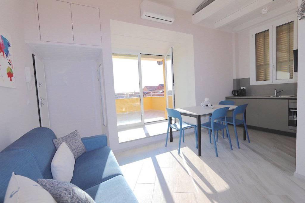 Attico / Mansarda in affitto a Alassio, 3 locali, Trattative riservate | CambioCasa.it