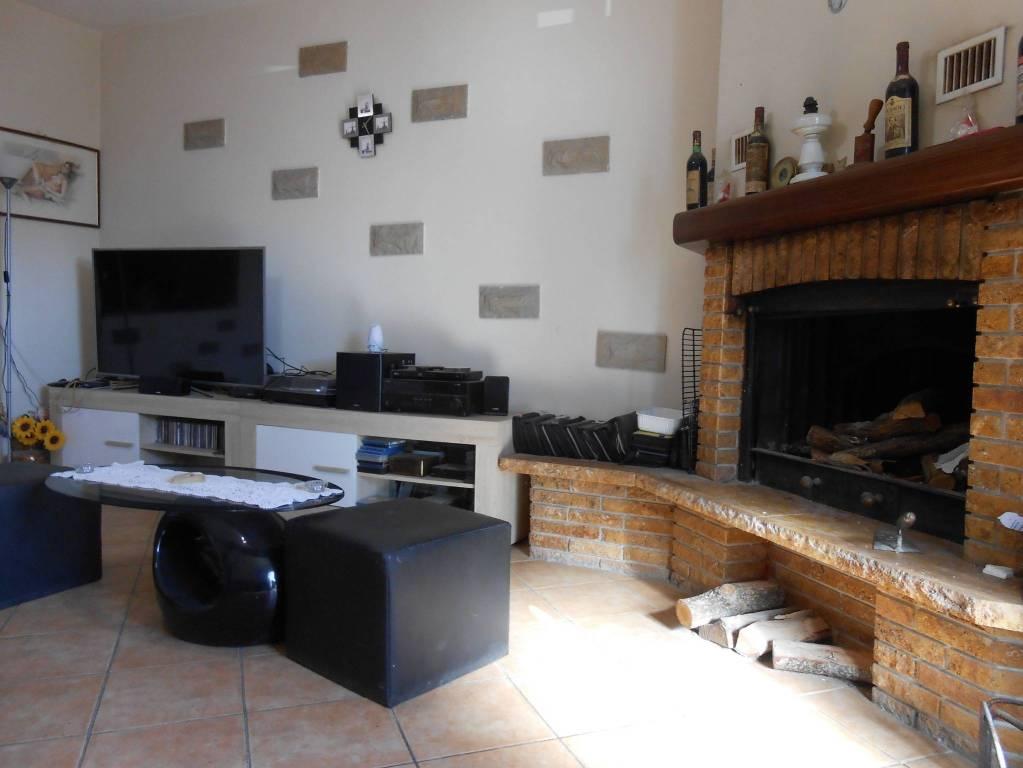 Appartamento in vendita a Vergato, 5 locali, prezzo € 115.000 | CambioCasa.it
