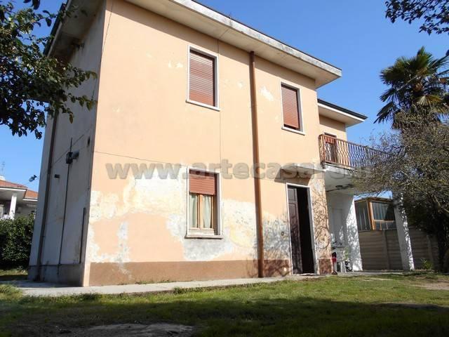 Villa in vendita a Arconate, 4 locali, prezzo € 220.000   PortaleAgenzieImmobiliari.it