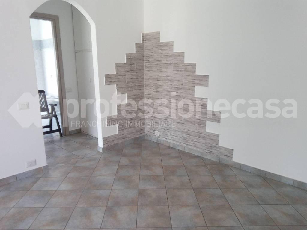 Appartamento in vendita a Olgiate Olona, 2 locali, prezzo € 58.000 | CambioCasa.it
