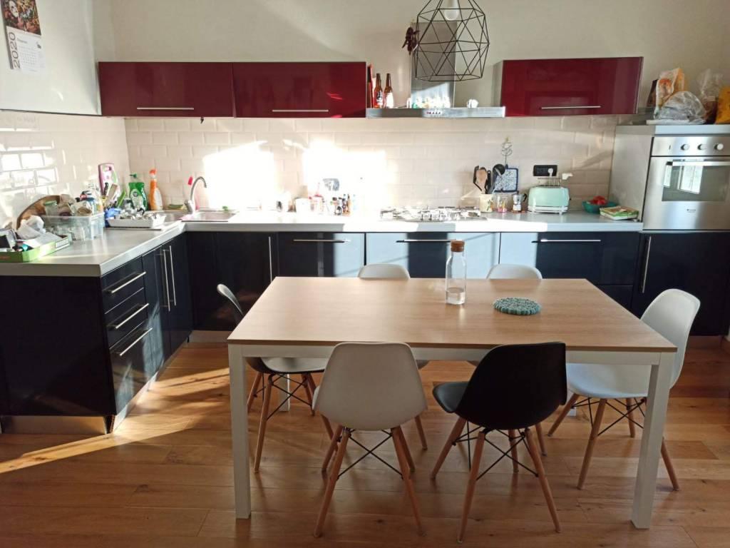 Appartamento in ottime condizioni arredato in affitto Rif. 7935266