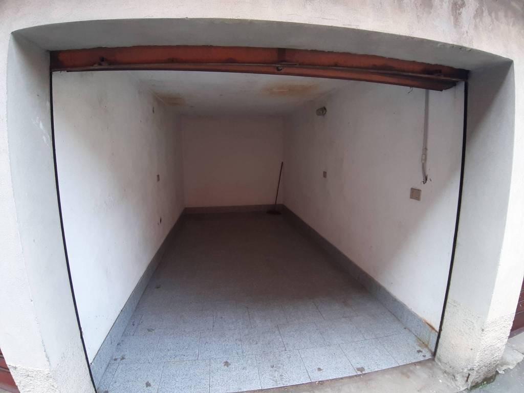 Box / Garage in Vendita a Legnano