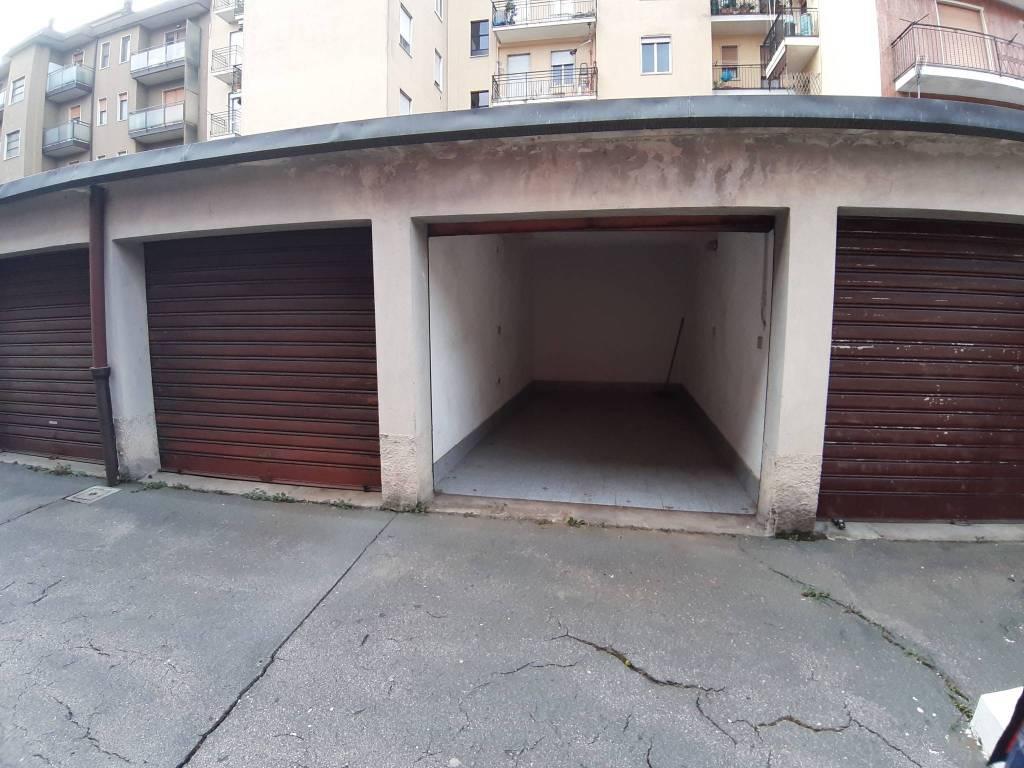 Box / Garage a Legnano in Vendita