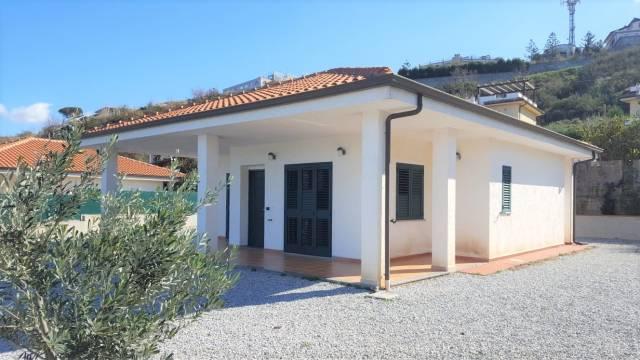 Villa in buone condizioni in vendita Rif. 4390197