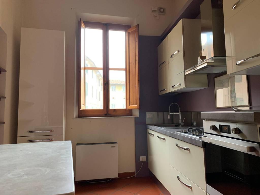 Appartamento in Affitto a Pistoia Centro: 5 locali, 106 mq