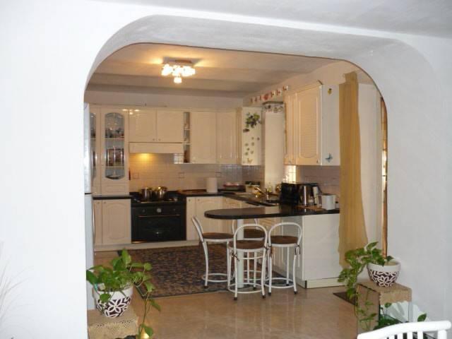 Villa in vendita a Montegioco, 7 locali, prezzo € 310.000 | CambioCasa.it