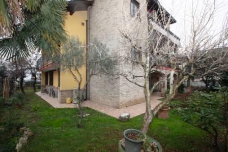 Villa in vendita a Gerenzano, 17 locali, prezzo € 583.000 | CambioCasa.it