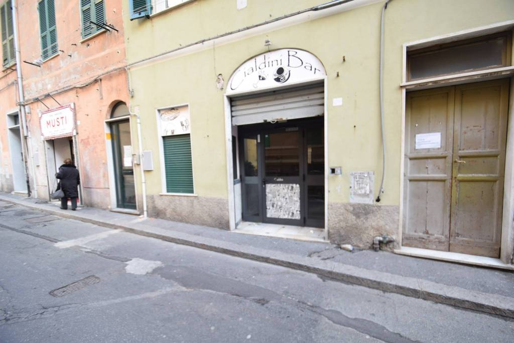Negozio / Locale in affitto a Genova, 1 locali, zona Zona: 16 . Voltri, Ponente Mare, prezzo € 790 | CambioCasa.it