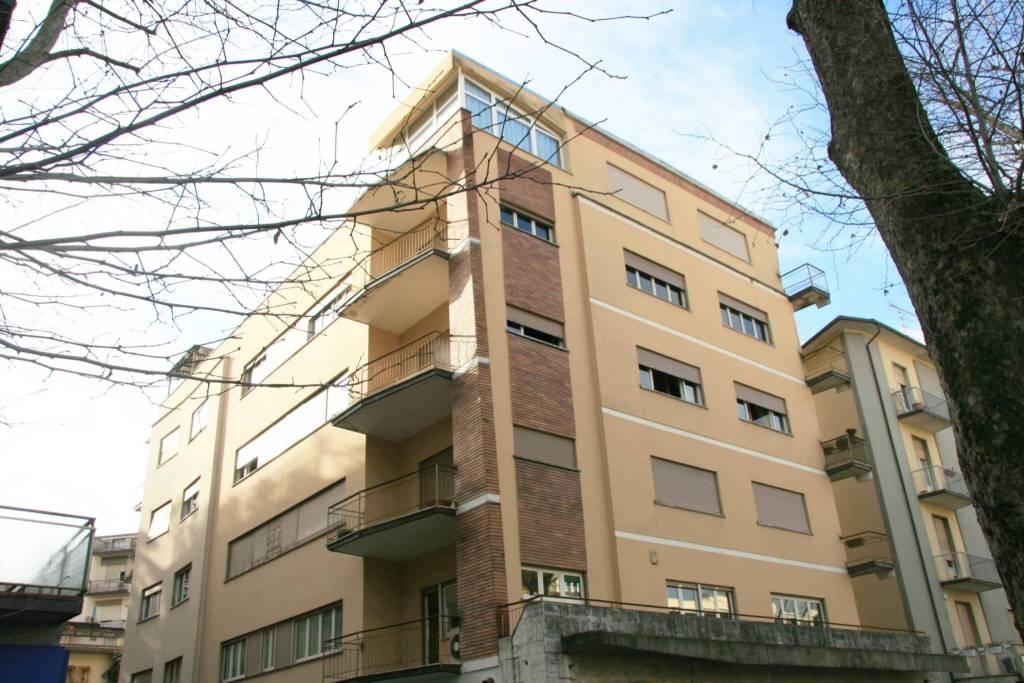Appartamento in Vendita a Arezzo: 5 locali, 183 mq
