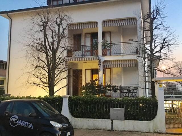 Villa in Vendita a Piacenza Periferia: 5 locali, 518 mq