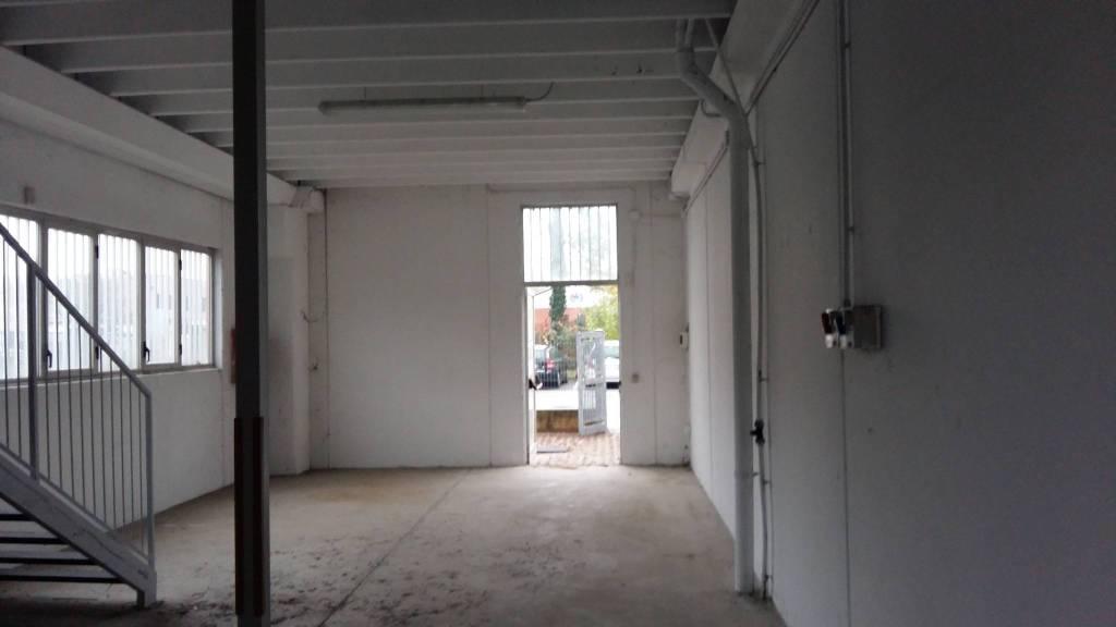Capannone in affitto a Vignate, 1 locali, prezzo € 630 | PortaleAgenzieImmobiliari.it