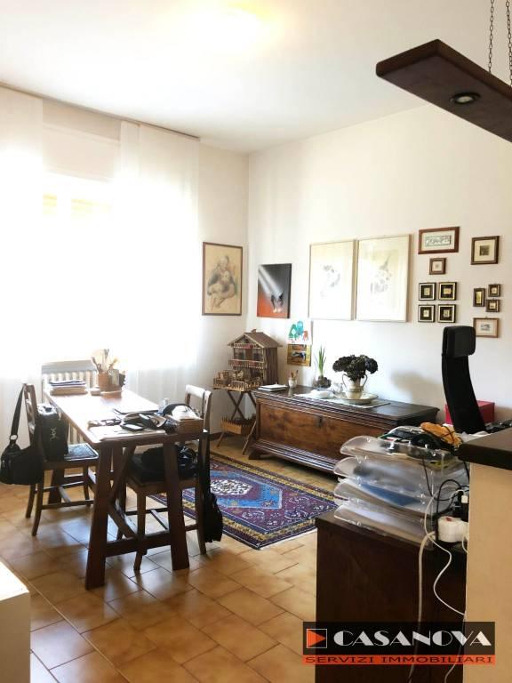 Villa in vendita a Malnate, 5 locali, prezzo € 138.000 | CambioCasa.it
