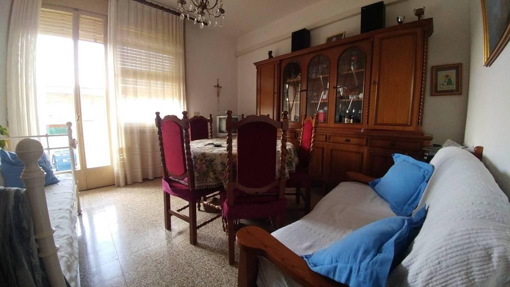 Appartamento in vendita a Castel Bolognese, 4 locali, prezzo € 70.000 | CambioCasa.it