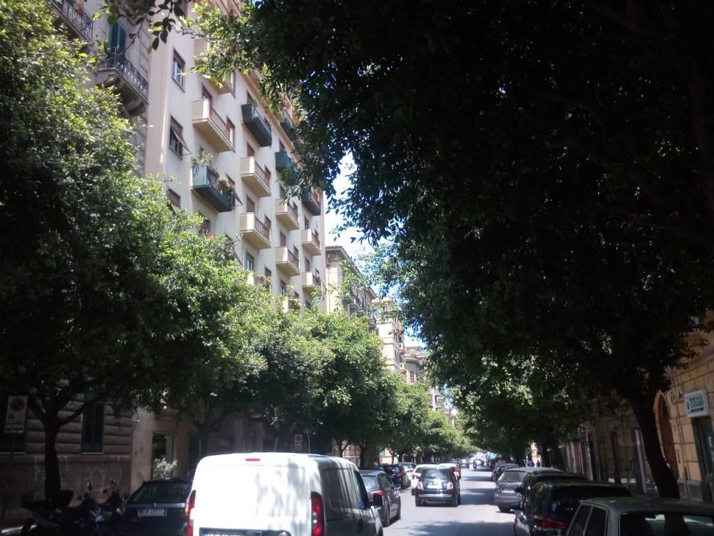 Appartamento in Affitto a Palermo Centro: 2 locali, 60 mq