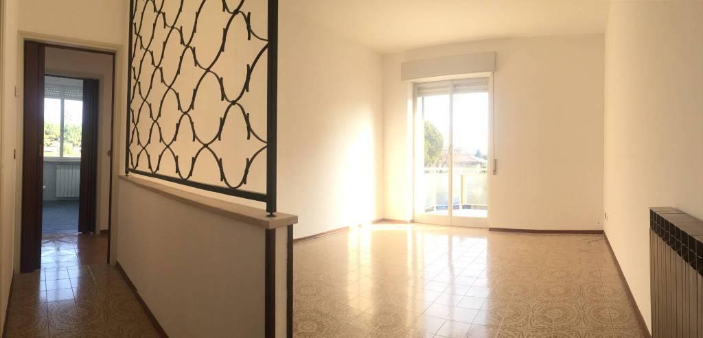 Appartamento in vendita a Gorla Maggiore, 3 locali, prezzo € 86.000 | CambioCasa.it