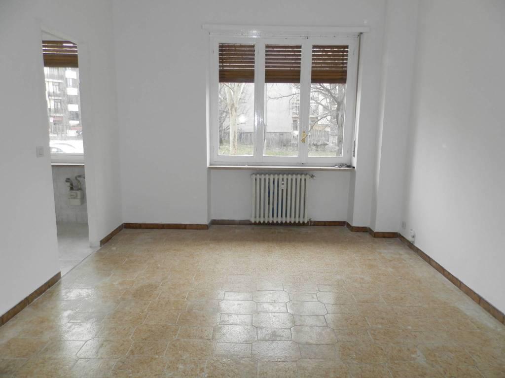 Appartamento in affitto a Nichelino, 2 locali, prezzo € 400 | PortaleAgenzieImmobiliari.it