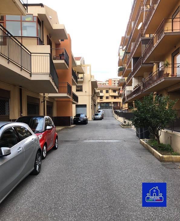 Attivita'-licenza in Vendita a Messina Periferia Sud: 20 mq