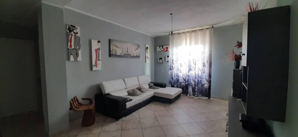 Appartamento in vendita a Pantigliate, 3 locali, prezzo € 125.000 | CambioCasa.it