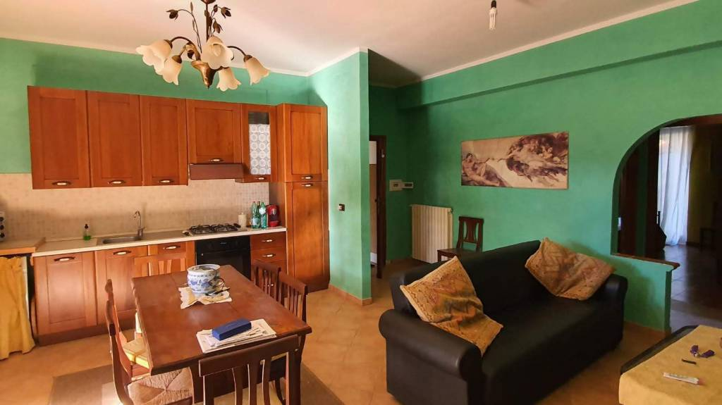 Appartamento arredato in vendita Rif. 8132248