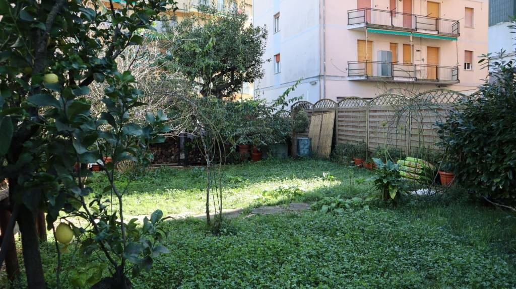 Appartamento in vendita a Rapallo, 3 locali, prezzo € 225.000 | PortaleAgenzieImmobiliari.it
