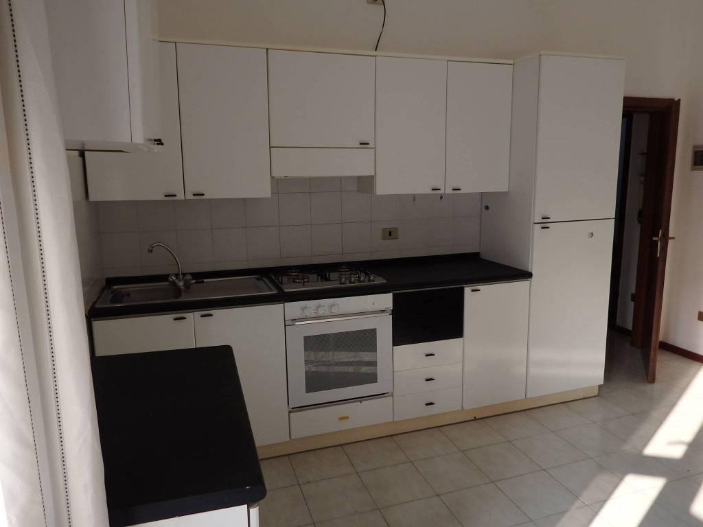 Appartamento in affitto a Nembro, 2 locali, prezzo € 370 | PortaleAgenzieImmobiliari.it