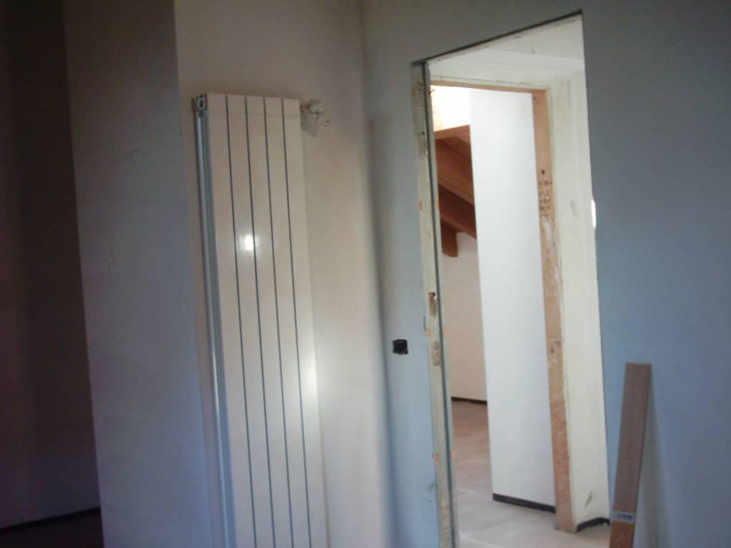 Appartamento in buone condizioni in vendita Rif. 7044725